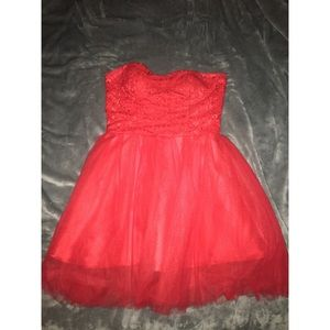 Dresses & Skirts - Red homecoming dress